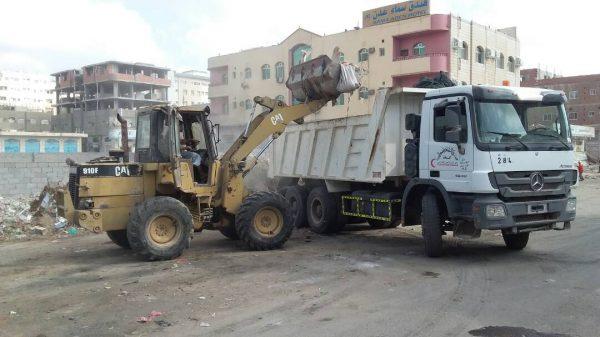 تدشين حملة واسعة للنظافة في عدن
