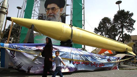 مصدر عسكري يكشف طريقة تهريب الاسلحة من ايران للحوثيين