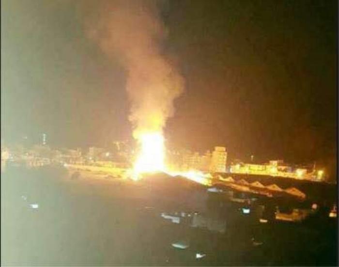 انباء عن احتراق مبنى مجلس النواب بصنعاء بعد استهدافه من قبل الطيران