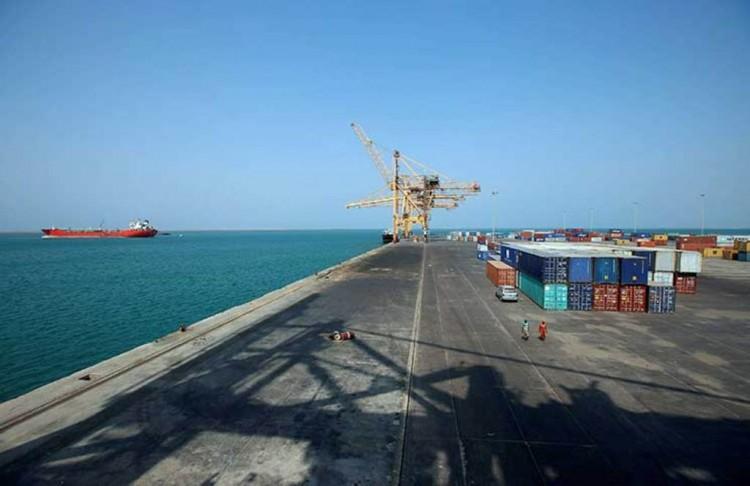 """قيادي حوثي: قبلنا مراقبة الأمم المتحدة لميناء الحديدة شريطة تسليم الإيرادات لـ""""مركزي صنعاء"""""""