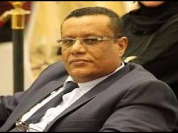 """شاهد اخر تغريدات وكيل وزارة الاعلام  الصحفي """"عرفات مدابش"""" قبل وفاته"""