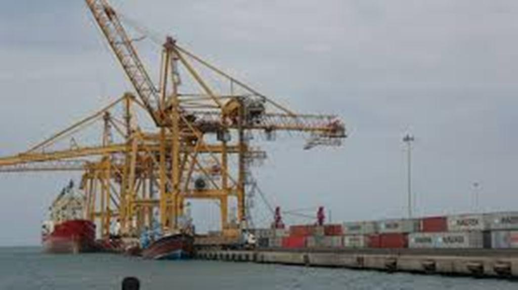 البيت الأبيض يرحب بقرار التحالف العربي فتح ميناء الحديدة