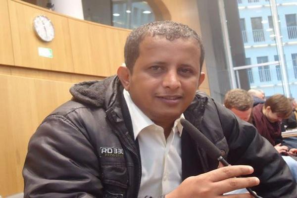 بسبب سقطرى .. الصحفي بن لزرق يهاجم المجلس الانتقالي الجنوبي