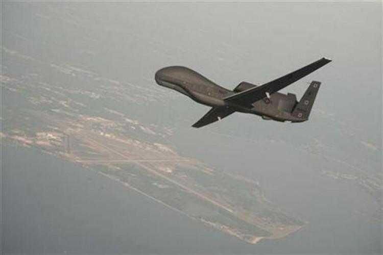 الجيش الأمريكي يعلن قتل 62 متشدداً في ضربات جوية بالصومال