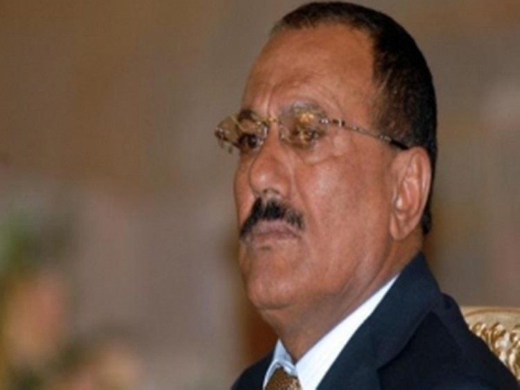"""تعرف على آخر شخصية التقت الرئيس """"صالح"""" قبل مقتله وماذا دار بينهما؟"""