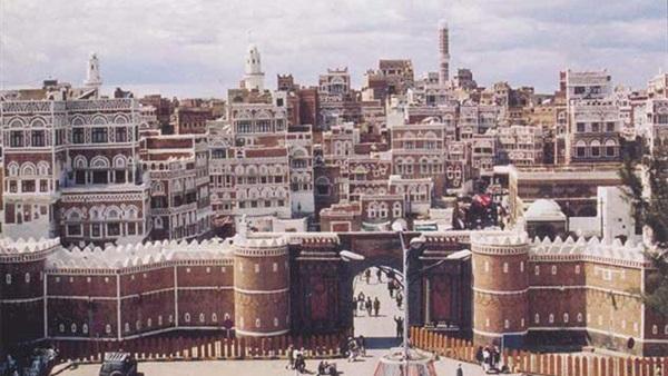 """هام.. لهذا السبب اقتحم الحوثيين """"مركز سام التجاري""""بجوار منزل """"صالح"""".. تفاصيل"""