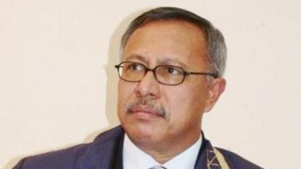 """الحوثيون يقتادون بن حبتور  الى «صعدة» بطريقة مذلة """"تفاصيل"""""""