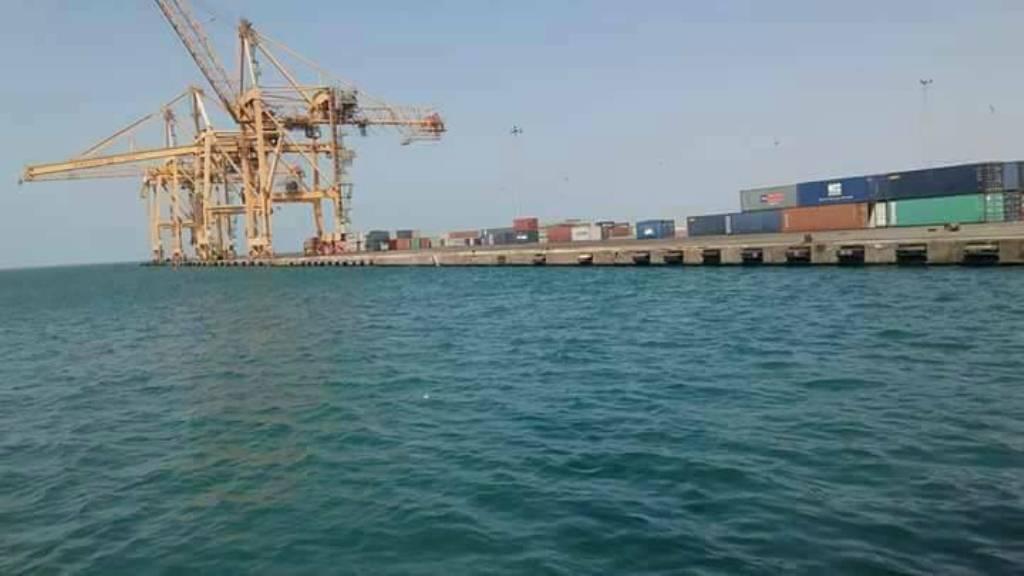 الأمم المتحدة تجلي 9 من موظفيها من ميناء الحديدة