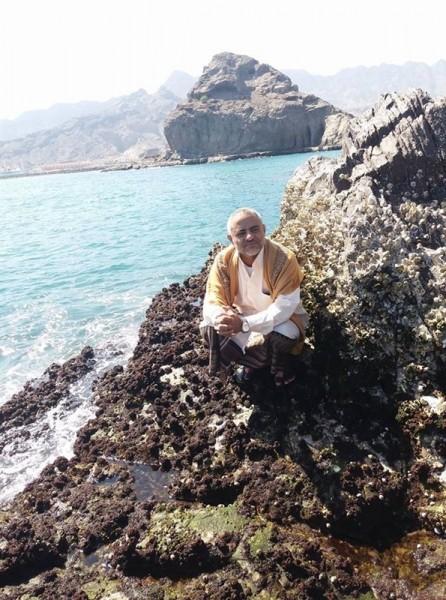 من هو المسئول البارز في حكومة الحوثي الذي وصل إلى عدن فارا من صنعاء؟
