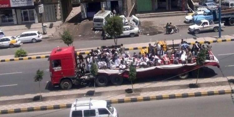 مصادر: وصول 80 قتيل وجريح حوثي الى مستشفى الثورة في صنعاء قادمين من جبهة نهم