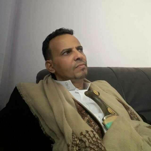 مجهولون يغتالون الشيخ القبلي طلال الحميري في تعز (صورة)