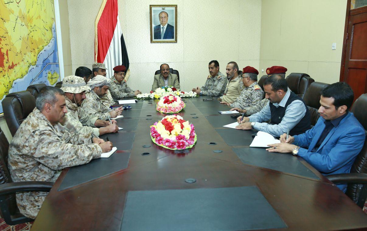 مأرب.. الفريق علي محسن يبحث الجوانب العسكرية والميدانية بحضور عدد من قادة قوات التحالف