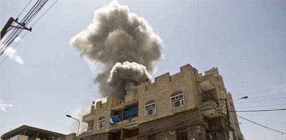 طيران التحالف العربي يشن غارات عنيفة على صنعاء وذمار .. وأنباء عن سقوط قتلى وجرحى