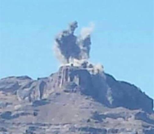 طيران التحالف العربي يقصف مواقع مليشيا الحوثي الإيرانية في مدينة دمت فجر اليوم بضربات موفقة
