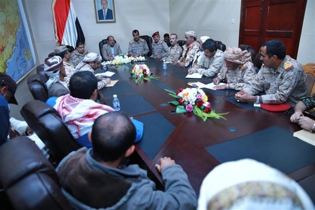 نائب رئيس الجمهورية يعقد اجتماع مع محافظ البيضاء ويؤكد على إستمرار تقدم الجيش الوطني حنى تحرير المحافظة