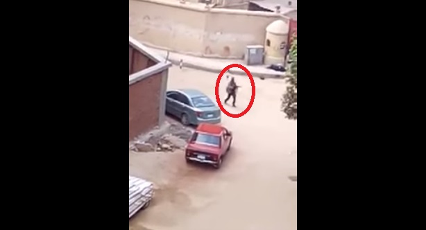 هجوم ارهابي يستهدف كنيسة مصرية بحلوان (شاهد فيديو لحظة الهجوم)