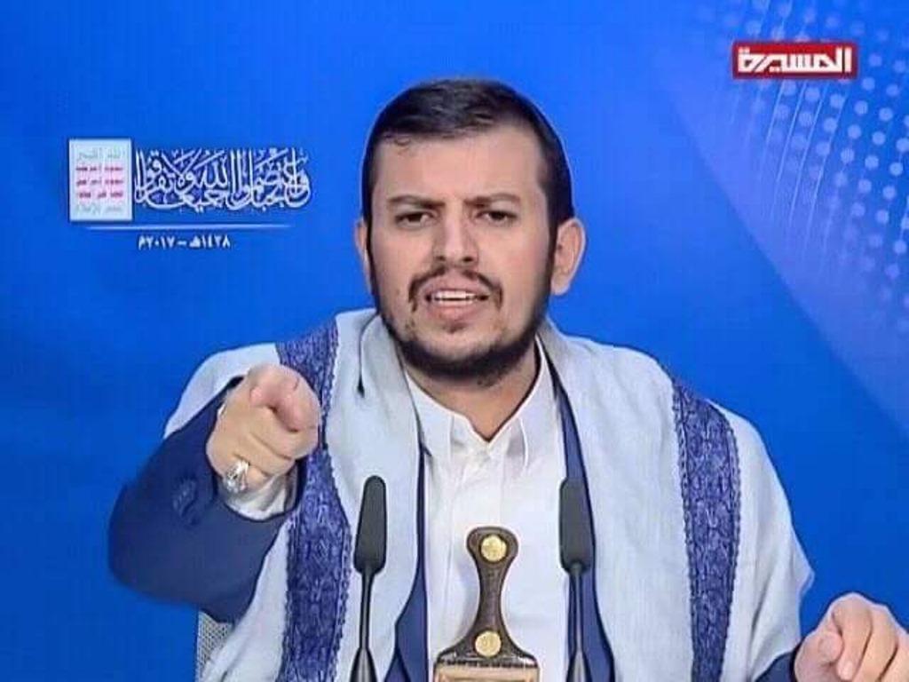 زعيم جماعة الحوثيين يهدد قبائل سنحان ويطلب منهم نسيان صالح وعهده ويصفه بالخائن