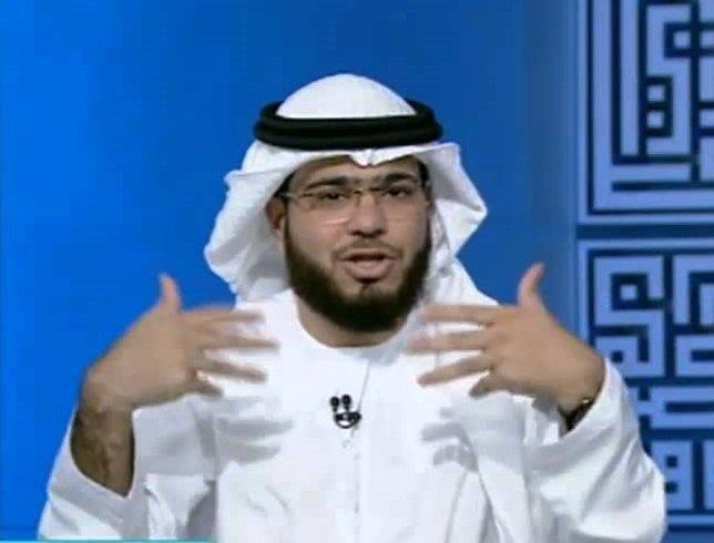 """شاهد بالفيديو.. داعية اماراتي يقول ان """"القرآن نزل بلهجة إماراتية""""!"""