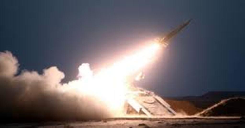 الدفاع الجوي السعودي يعترض صاروخاً باليستياً أطلقه الحوثيون على نجران