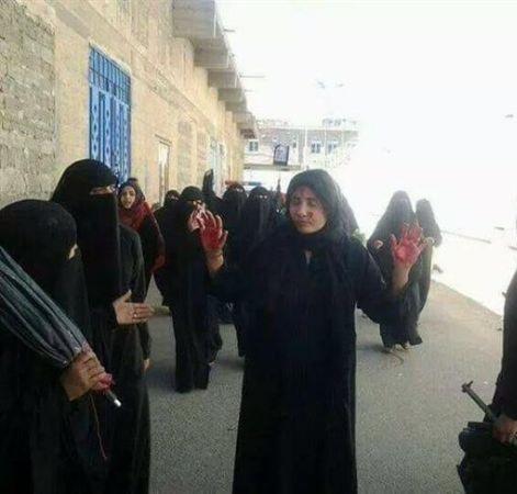 صنعاء.. الحوثيون يعتدون على المنازل ويختطفون النساء.. تفاصيل