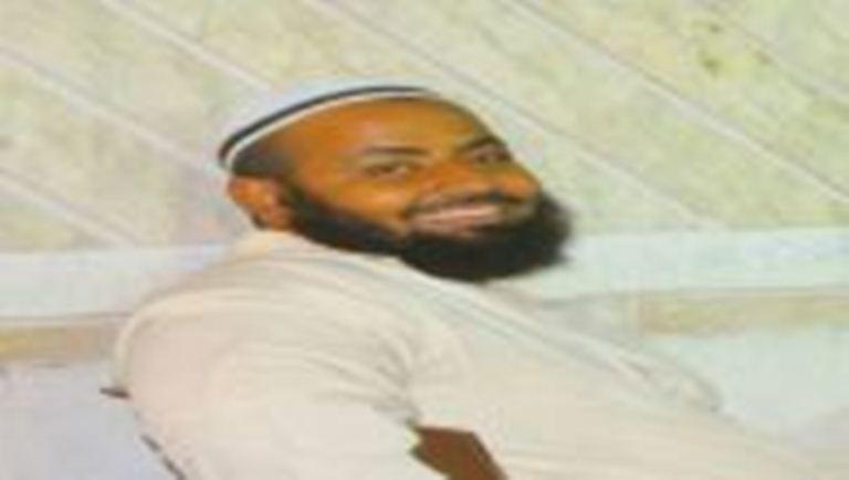 مسلحون مجهولون يغتالون أحد أئمة مساجد مديرية المنصورة في عدن
