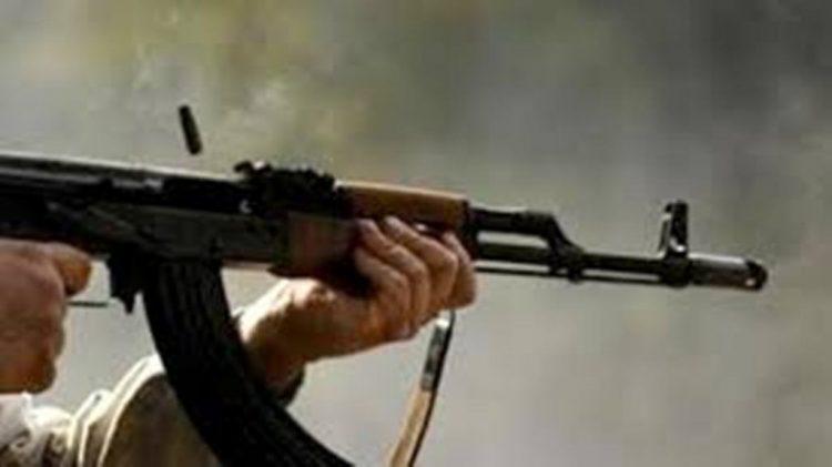 جريمة شنعاء في عدن.. مسلحون يغتالون مواطن أمام زوجته وأولاده