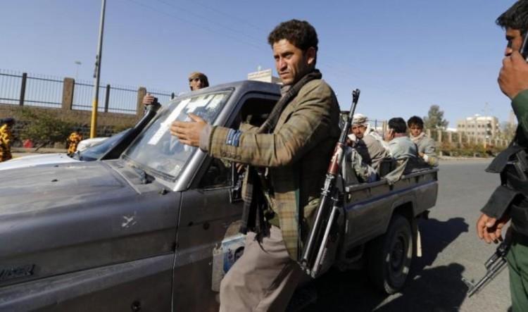تفاصيل إندلاع إشتباكات بين مسلحين مجهولين وحوثيين في صنعاء