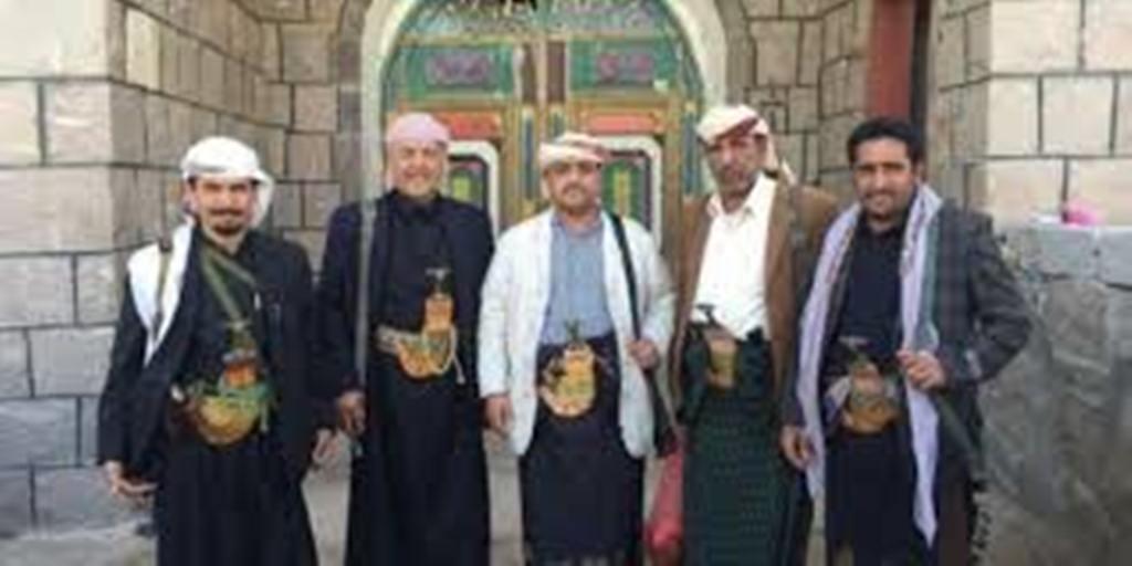 بعد قيام الحوثيين بقصف منزل ياسر العواضي توتر وحشد في قبيلة آل عوض في البيضاء