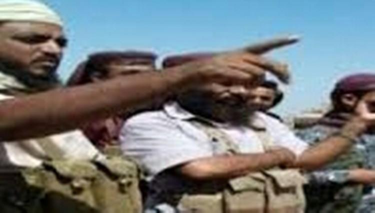 قائد عسكري جديد يتسلم مقر اللواء الرابع حماية رئاسية في عدن بعد أن كانت قوات الإنتقالي قد سيطرت عليه
