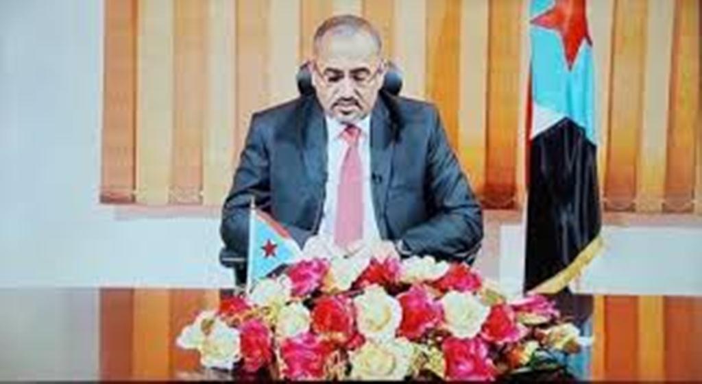 بعد انقلابه على الشرعية الزبيدي يطالب بالإعتراف بطارق صالح كطرف سياسي مقابل إنهاء الأزمة