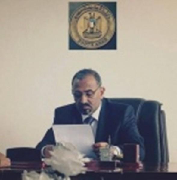 كاتب سعودي يحذر بلاده من التفرج على ما يجري في عدن ومن مخططات عيدروس