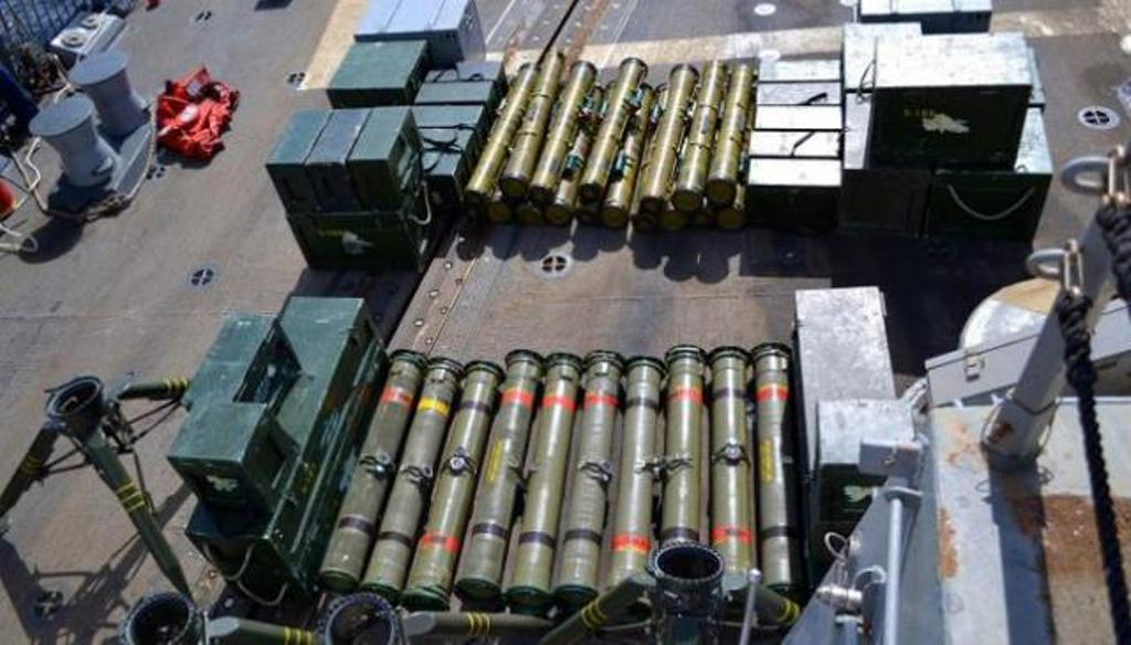 الأجهزة الأمنية في الجوف تضبط شحنة مهربة من الأجهزة والأدوات العسكرية كانت في طريقها إلى الحوثيين