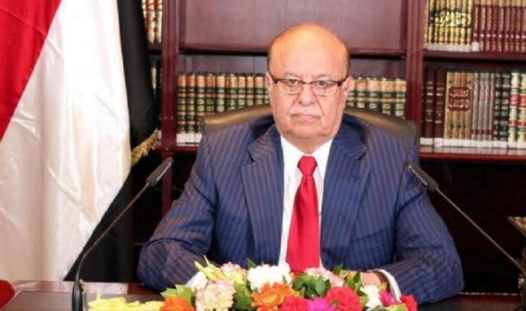 رئيس الجمهورية يصدر توجيهات بمكافئة مالية لكل أسرة شهيد تصدى للتمرد في عدن