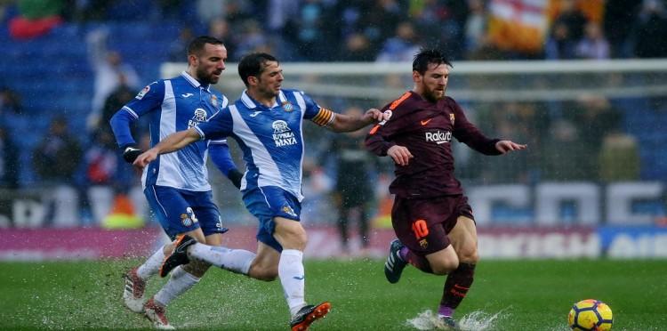 برشلونة يتعادل مع اسبانيول في الدوري الاسباني