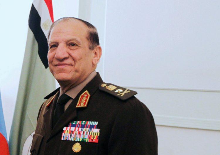 """موقع خليجي يكشف عن اعتقال """" 23 """" قيادة عسكرية في الجيش المصري من الموالين لـ«عنان»"""