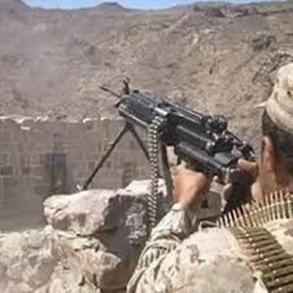 القوات الحكومية في تعز تحكم سيطرتها على جبل حيد الحمام المطل على البرح في جبهة مقبنة