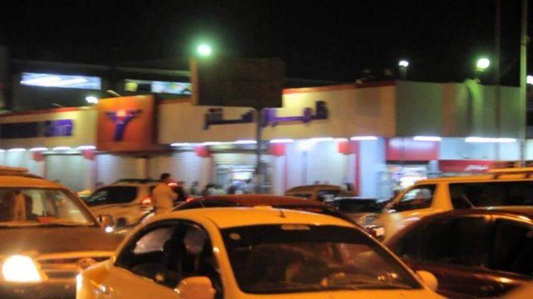 تجار في صنعاء يوقفون نشاطهم التجاري بعد أن أوغلت المليشيات في ابتزازهم وفرض إتاوات باهضة