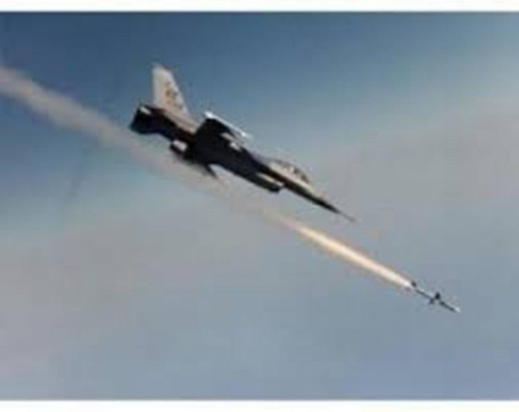 طيران التحالف العربي يشن غارات على مواقع المليشيات ويحصد العشرات منهم بين قتيلا وجريح
