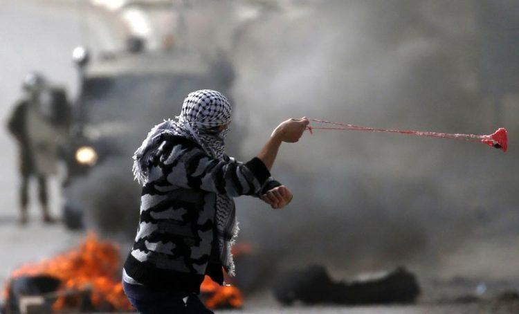 إصابة 20 فلسطينياً خلال مواجهات مع قوات الاحتلال