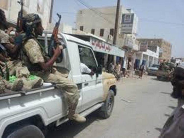 إصابة شخصين في إشتباكات بين مسلحين قبليين وقوات من النخبة الشبوانية في شبوة