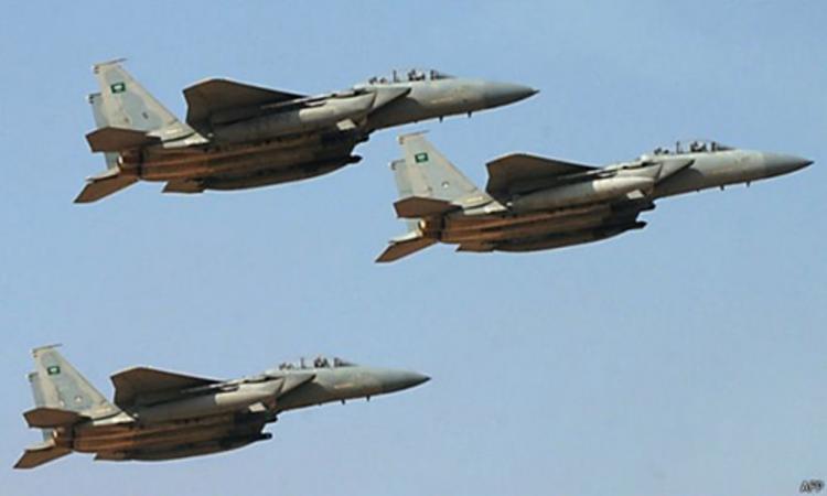 طيران التحالف العربي يستهدف مواقع واليات مليشيا الحوثي في صرواح