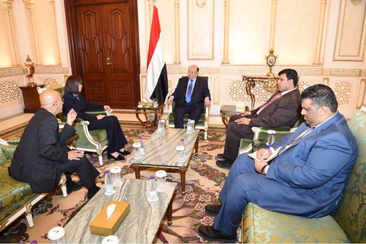 الرئيس هادي يؤكد على أهمية تعزيز التعاون بين اليمن وأمريكا
