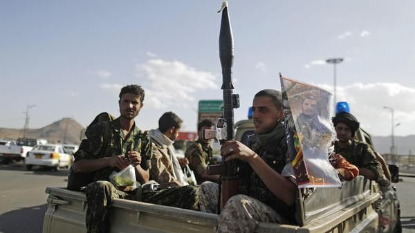 ورد الان.. اشتباكات مسلحة بين مليشيات الحوثي ومسلحين قبليين في ذمار (تفاصيل)