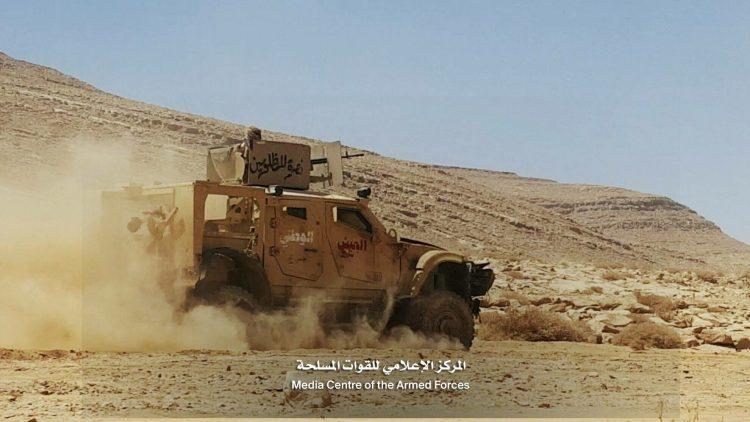 مصرع 17 حوثيا وأسر 33 بينهم 4 قيادات ميدانية في جبهة نهم بمحافظة صنعاء