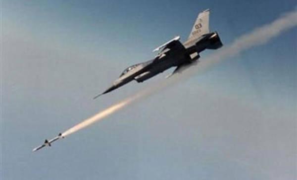 طيران التحالف العربي يشن غارات على تعزيزات للمليشيات كانت ذاهبة الى كتاف والبقع بصعدة