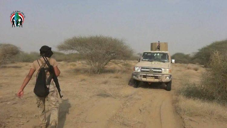 الجيش الوطني يقترب من السيطرة على اهم خطوط إمداد الحوثيين في حرض