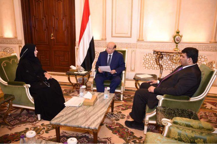 الرئيس هادي يؤكد على ضرورة تحرير سوق المشتقات النفطية لجميع الشركات والأفراد