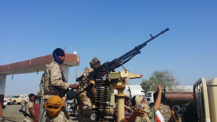 مليشيات الحزام الامني تقتحم منزل قائد مقاومة القلوعة بعدن وتختطف عدداً من اقاربه
