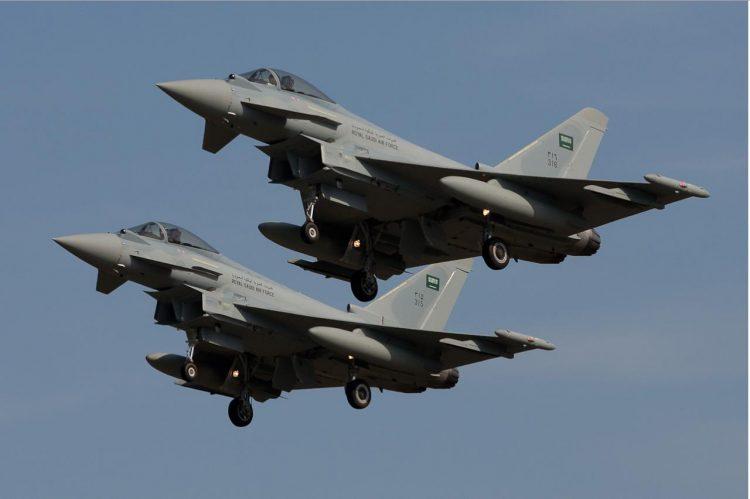 """""""33"""" غارة لمقاتلات التحالف خلال الـ24 ساعة الماضية في 5 محافطات يمنية"""