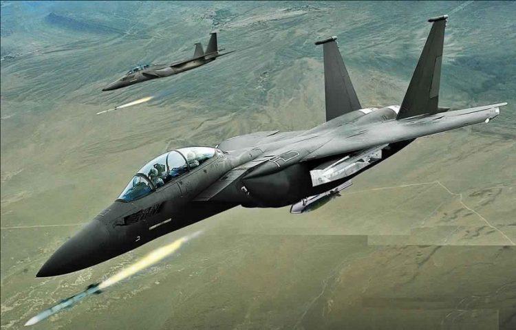 طيران التحالف العربي يشن غارات على تعزيزات لمليشيا الحوثي في محافظة الحديدة